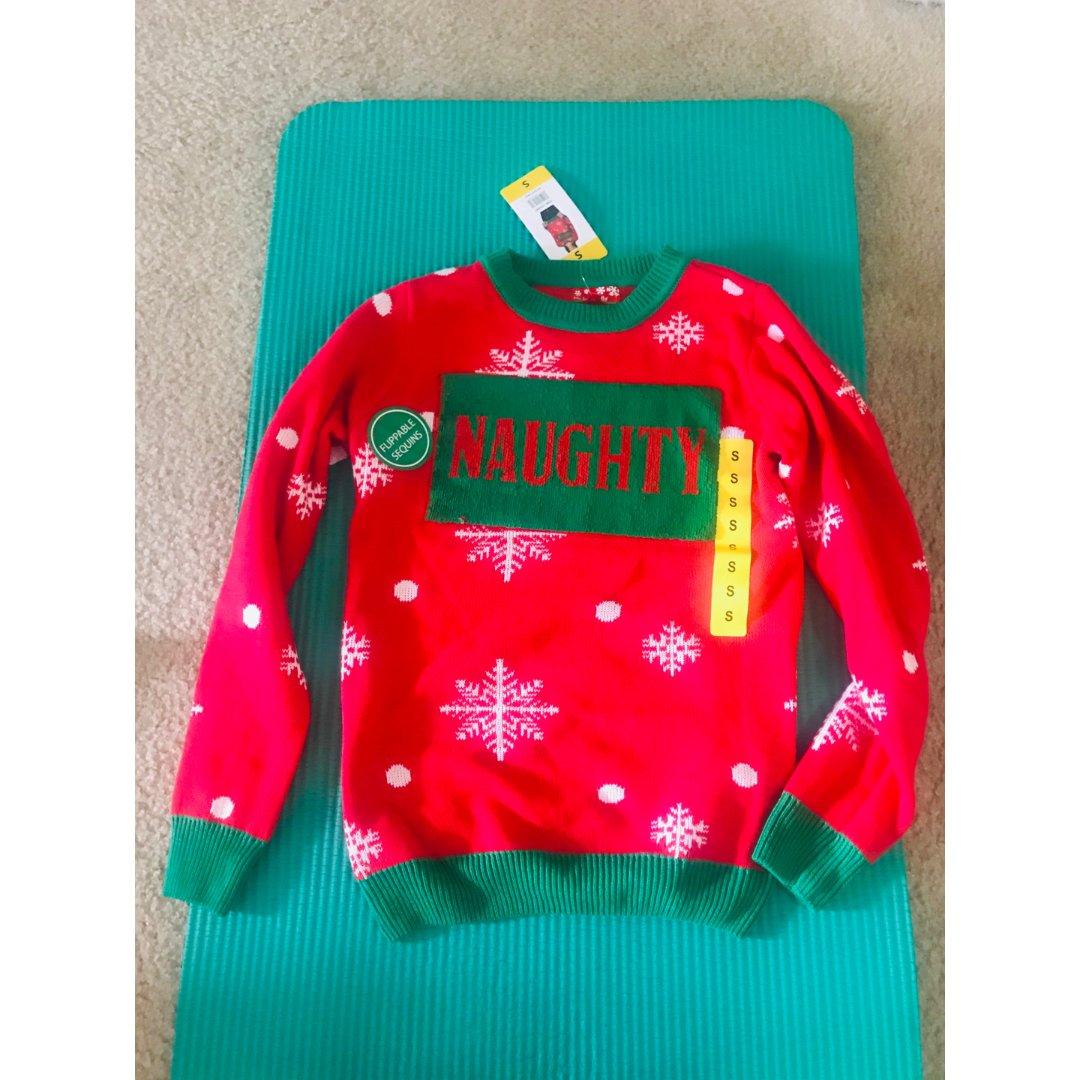 买了个圣诞丑毛衣🎄
