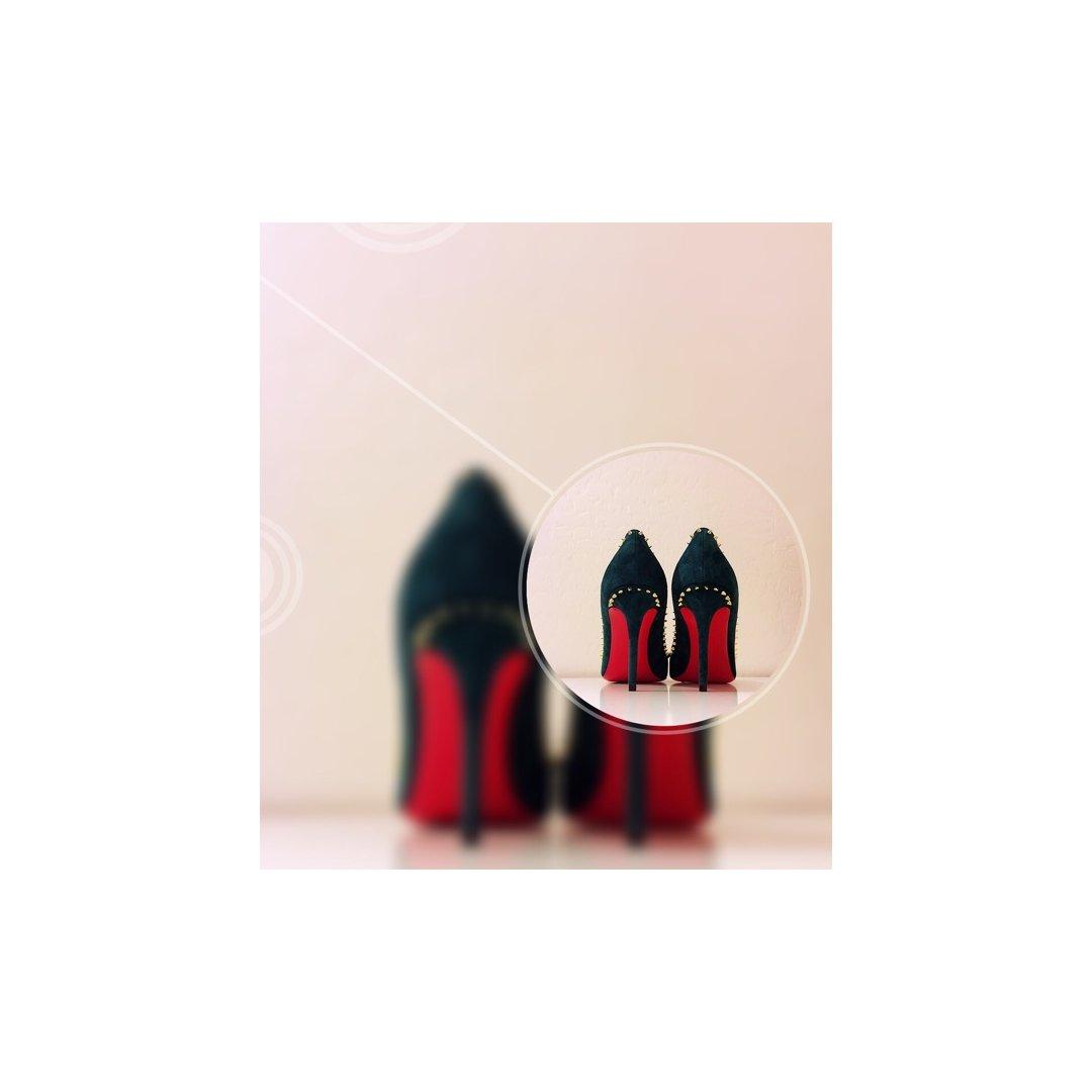 黑五的时候在店里六折入了一双红底鞋...