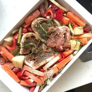杂蔬烤羊肉