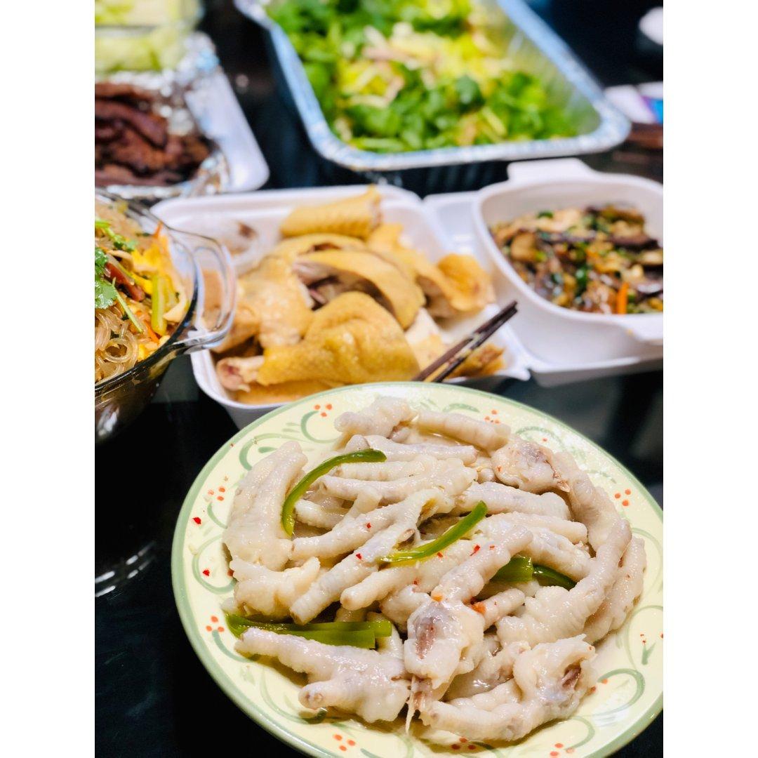 踏着假期的尾声来发发我们家的感恩节大餐!
