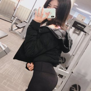 Get 蜜桃臀+直角肩+大长腿!神仙健身...