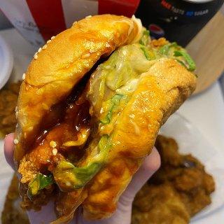 【澳洲肯德基】汉堡还能多加酱?在酱汁里游...