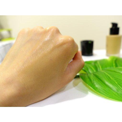 🧚🏻♀️适合干皮的粉底液:Armani设计师粉底液