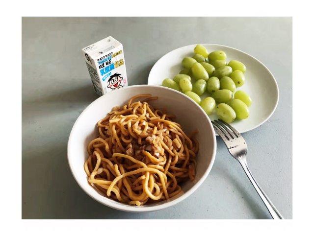 一個人版本的garlic noodle