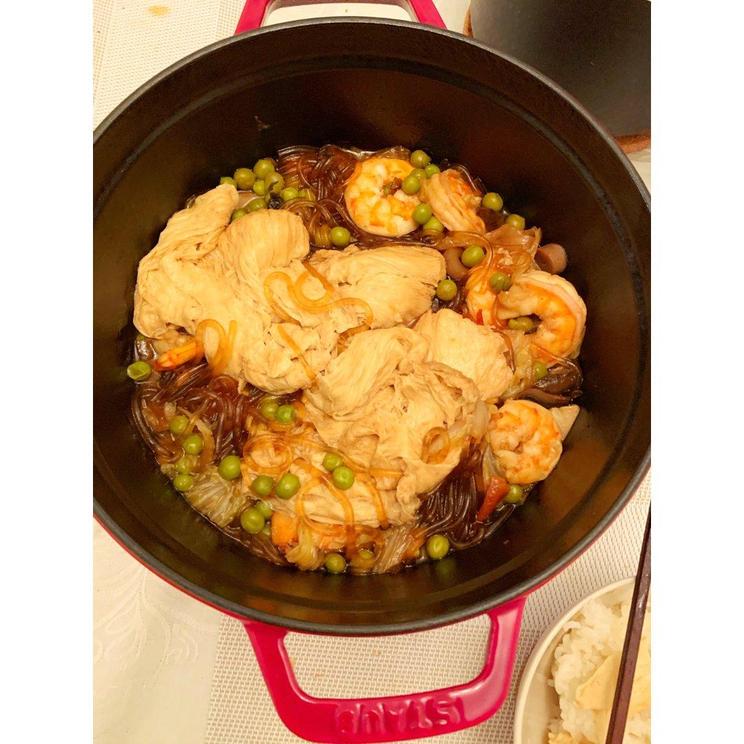 铸铁锅炖菜