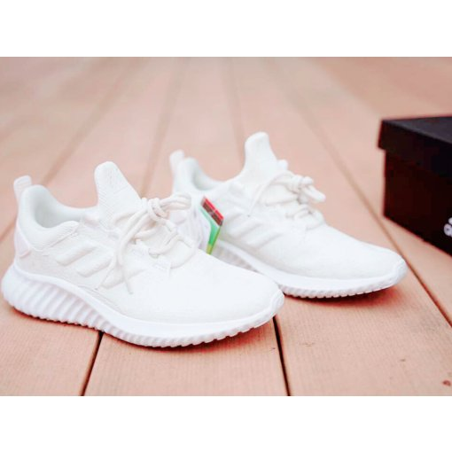 🌈好物 | Adidas 阿尔法跑鞋