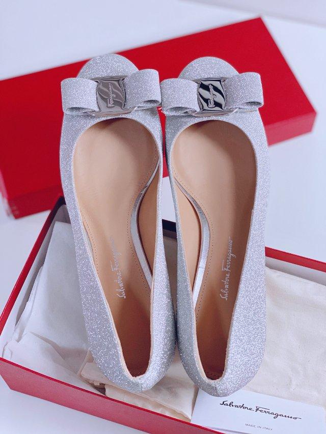 【10.2】菲拉格慕vara水晶鞋