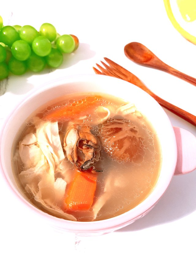 年夜饭的汤~蚝豉腐竹冬菇汤
