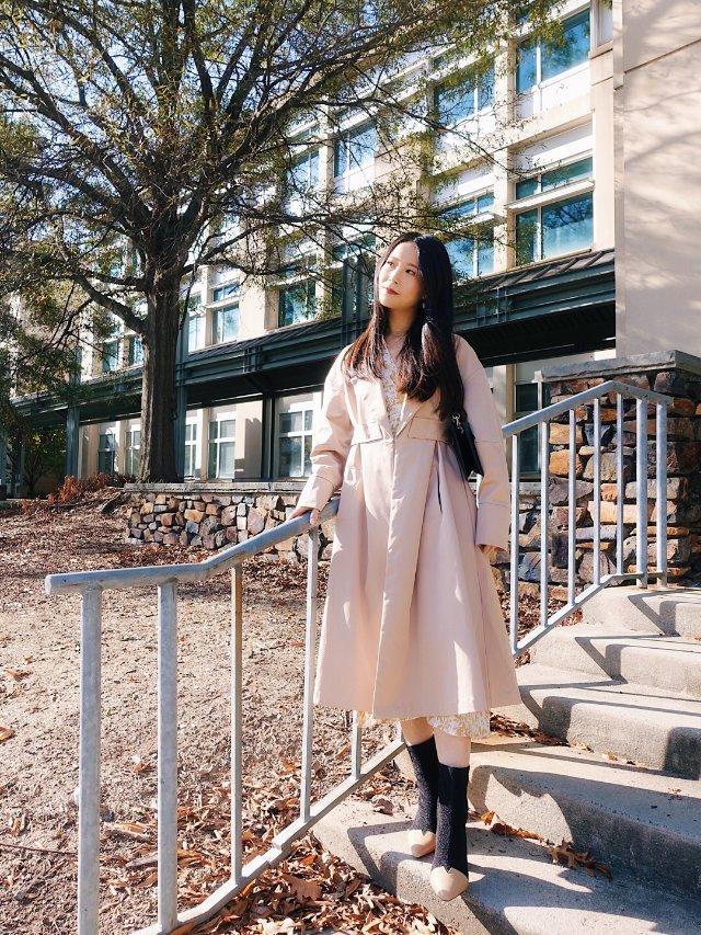 秋日穿搭 | 连衣裙和风衣叠穿💛