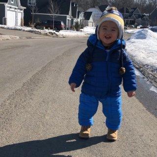 0岁+ 有了这件雪衣,宝宝们冬天也可以在...