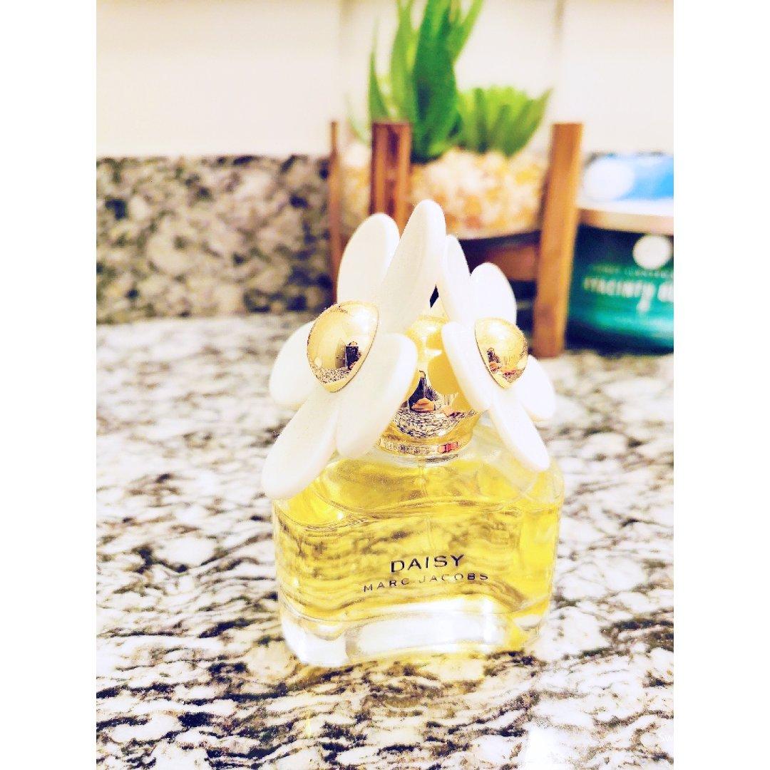 Marc Jacobs小雏菊香水