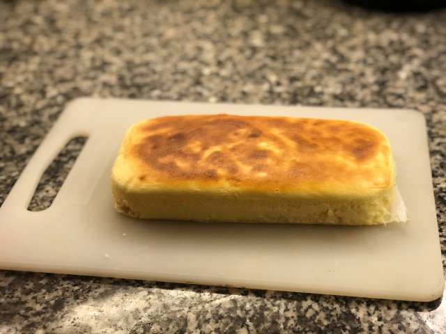 历经千辛万苦的轻乳酪蛋糕