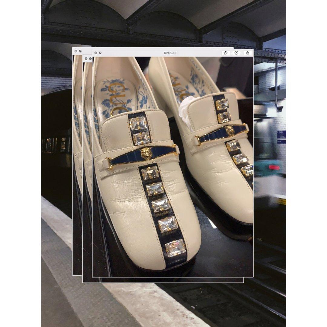 Gucci奥莱的💎小白鞋