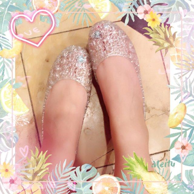 walmart里挑到的 塑料水晶鞋...