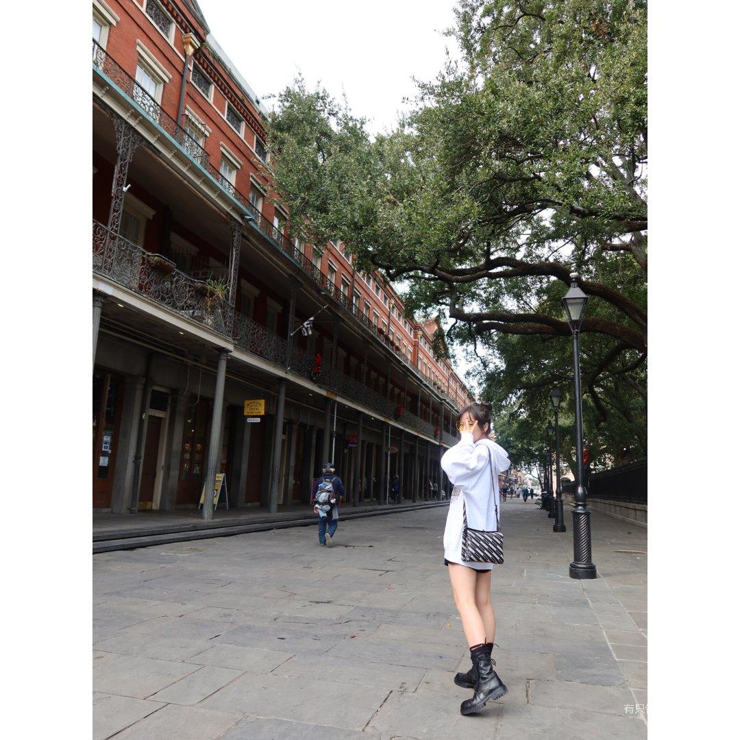 欧阳娜比同款BM帽衫 | Ann马丁靴