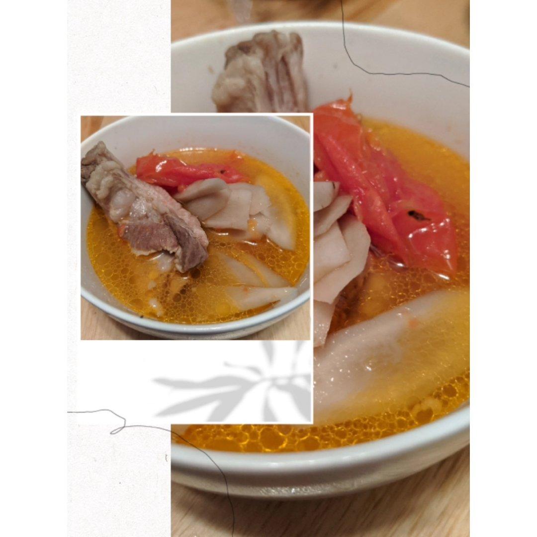 摆摊九牛蒡蕃茄排骨汤