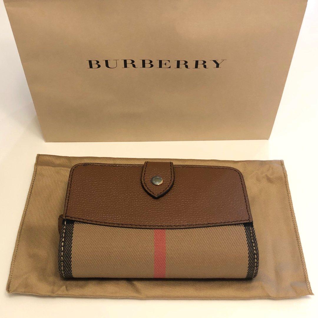 最近买了什么 · BURBERRY...
