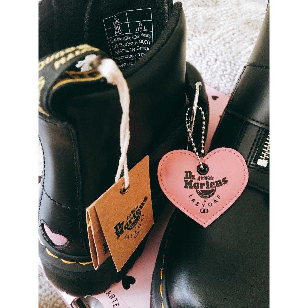 马丁靴 x LAZY OAF 少女...