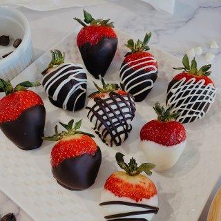 白色情人节|巧克力草莓绑住你...