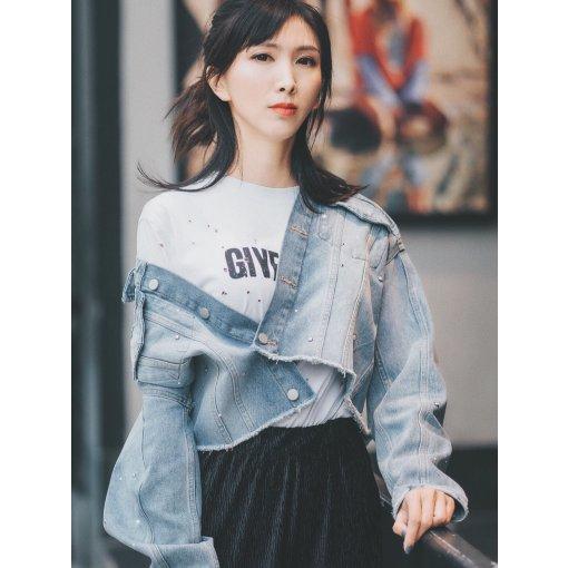 女生帅气一点儿也蛮可爱 by Ziqing__Xu