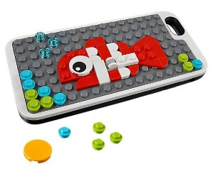 $29.99Coming Soon Phone Cover with Studs @ LEGO
