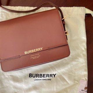 Burberry 巴宝莉