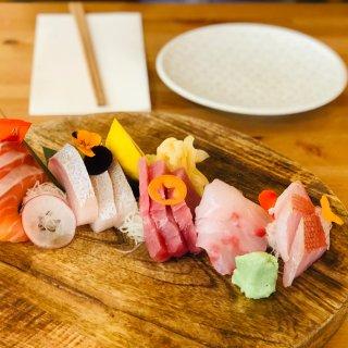 坐标布村南区一家惊喜日式食堂...
