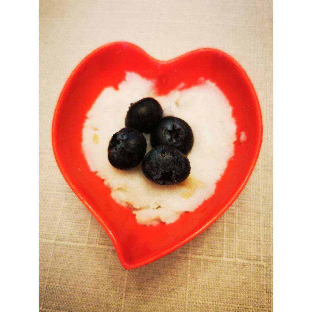 下午的点心蓝莓山药泥