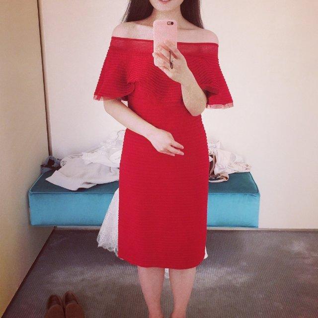 真是个不错的小红裙