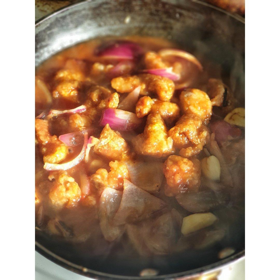 用麦户卡蜂蜜制作的 经典粤菜咕噜肉...