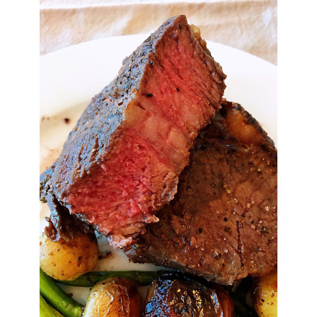 无肉不欢|大块的牛排烤起来~...