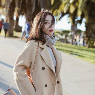 秋冬衣橱必备的驼色大衣