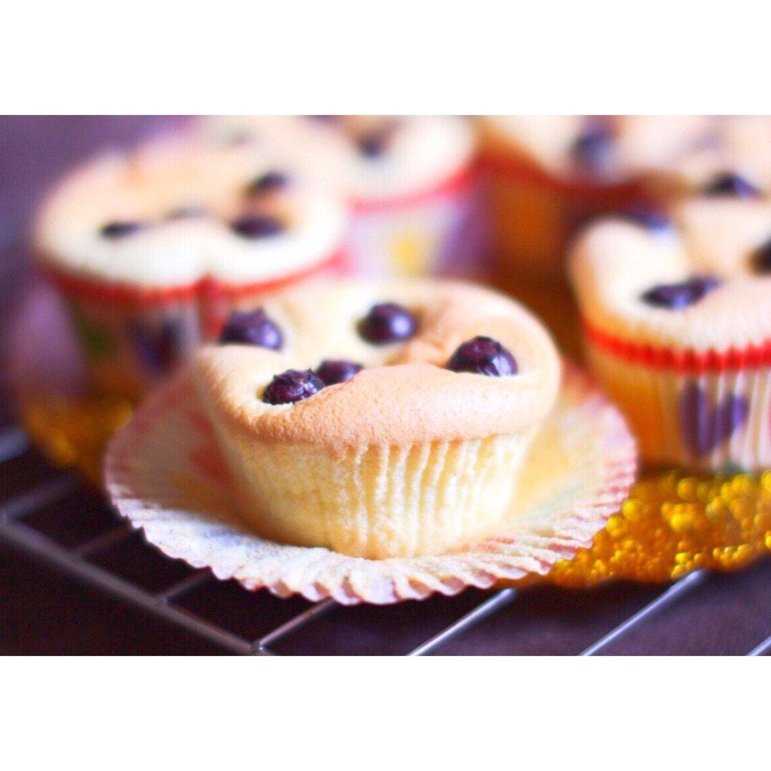 最柔软的🍰|蓝莓戚风纸杯小蛋糕|