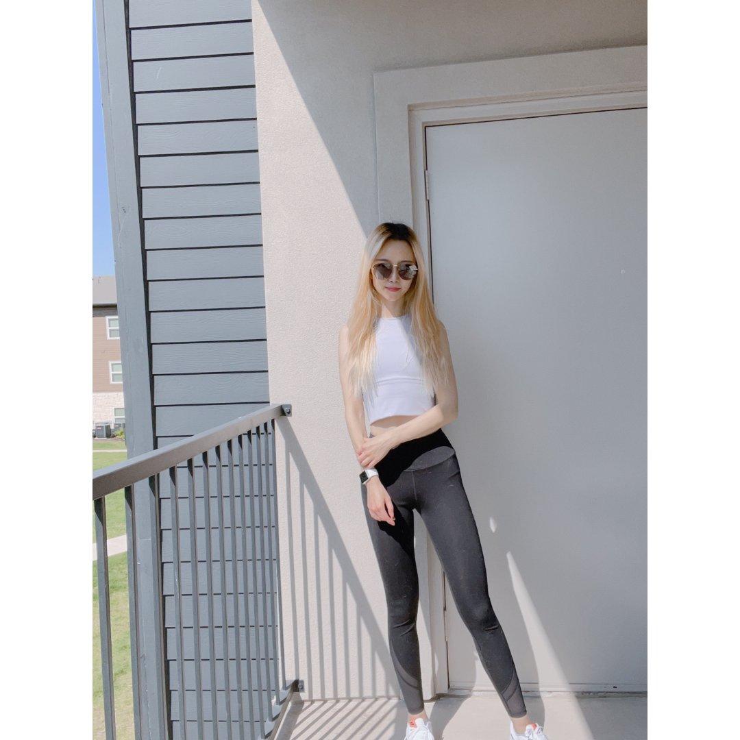 Yvette 薏凡特,Projekt Produkt