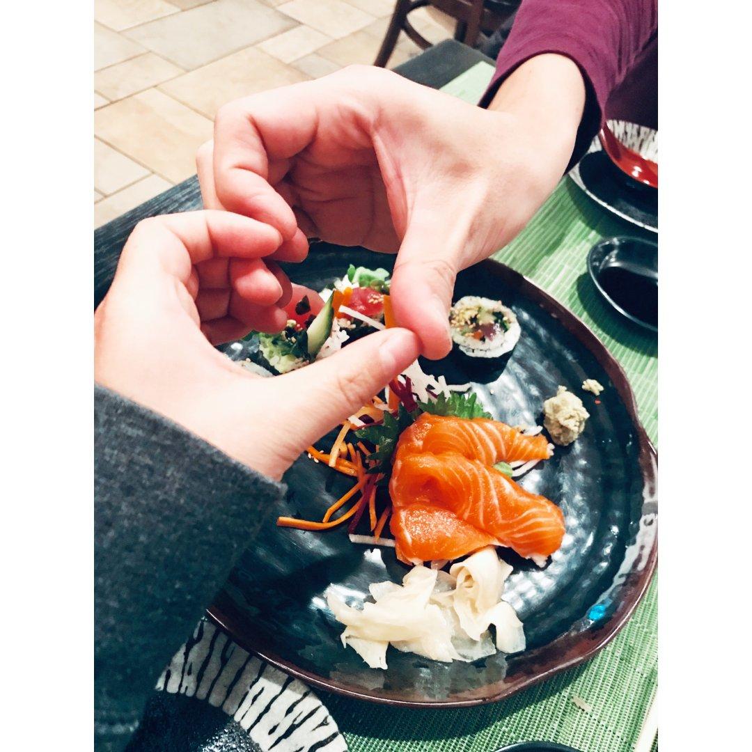 🧸吃个饭都是爱你的样子~🎈🧸