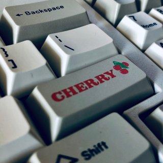 🍒信仰充值·复古樱桃键盘了解一下...