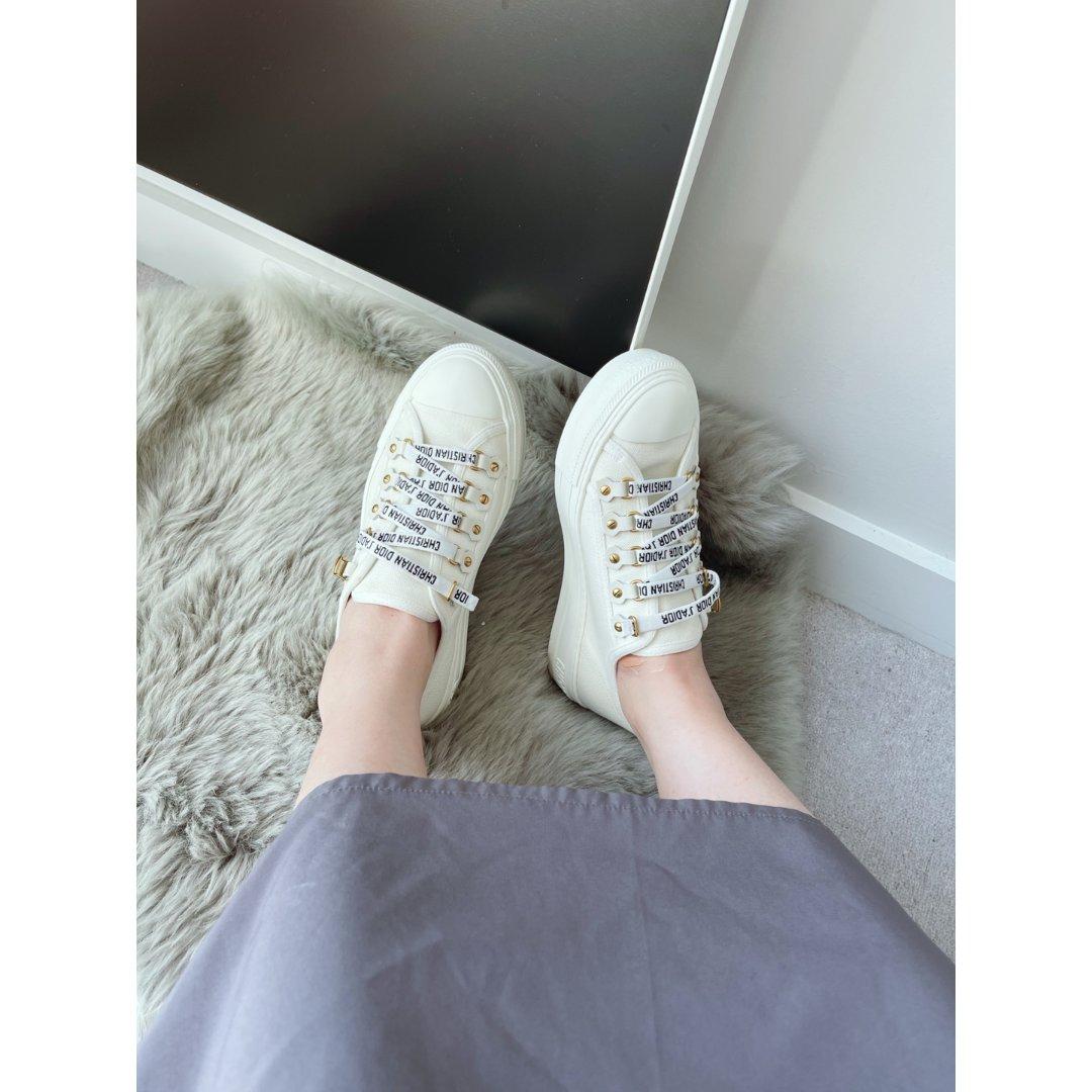 Dior 小白鞋 满足我对小白鞋所有幻想...