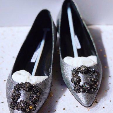 缎面钻扣平底鞋