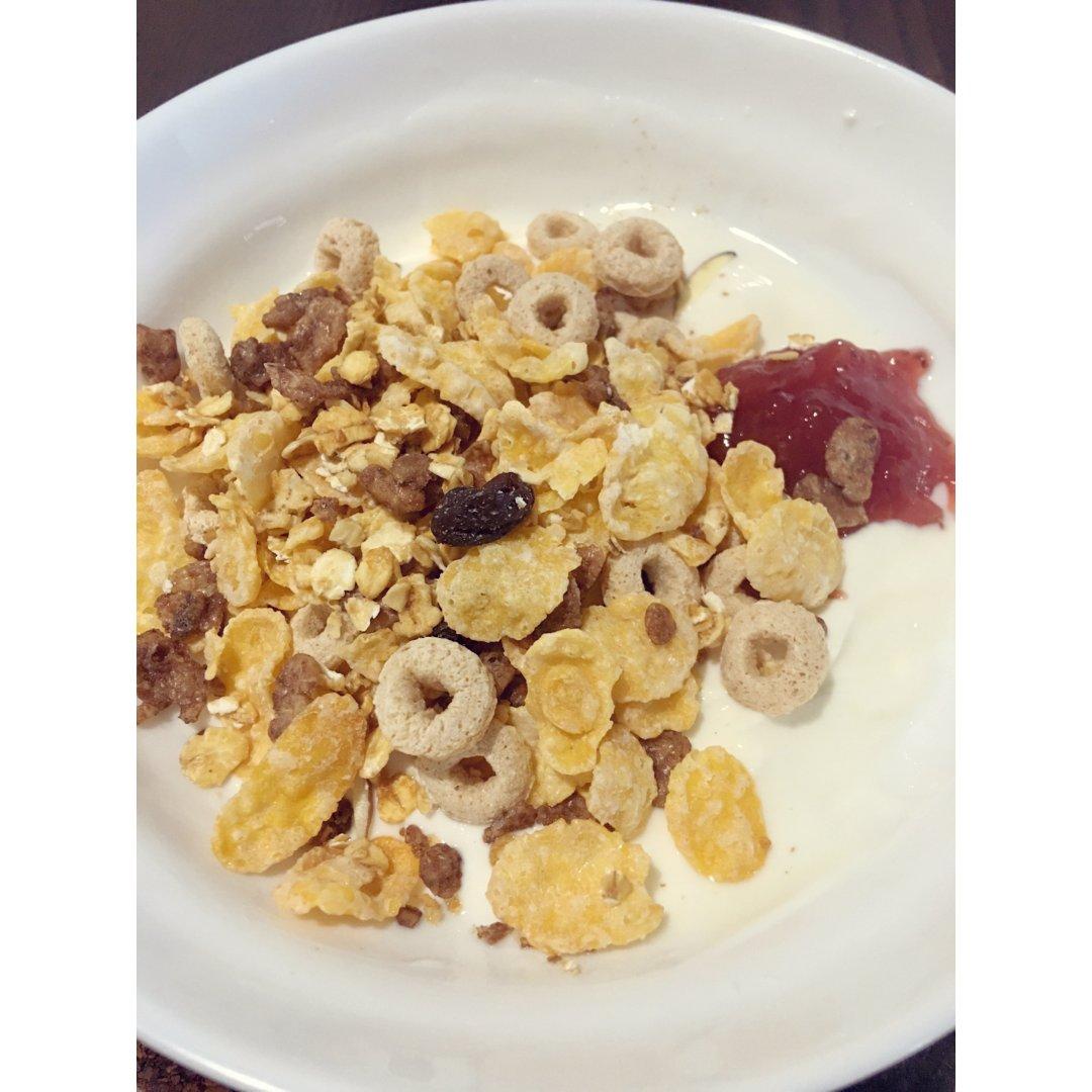 早餐酸奶麦片🥣