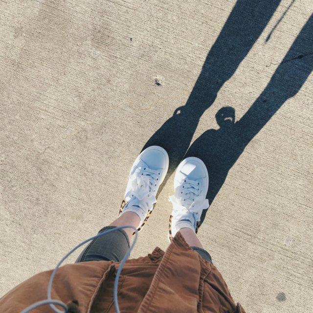 在【Shopbop】淘的小白鞋~