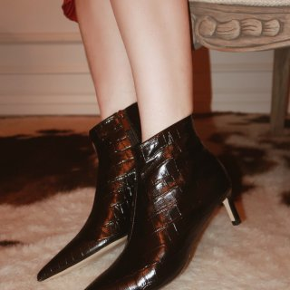 Pedder Red压纹尖头踝靴 既能复古又可通勤