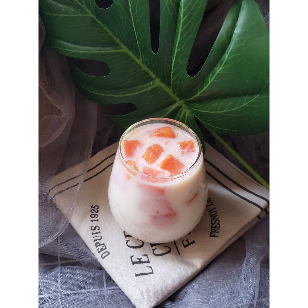 夏日治愈饮品之---冰镇椰汁木瓜西米露...