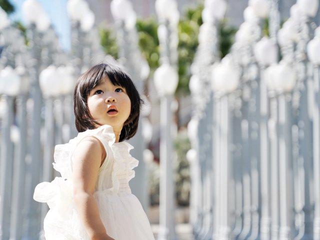 白纱裙和LACCMA的灯柱超合拍📷