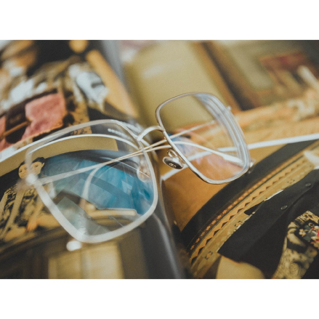 这么多年用保险集齐各个形状的眼镜