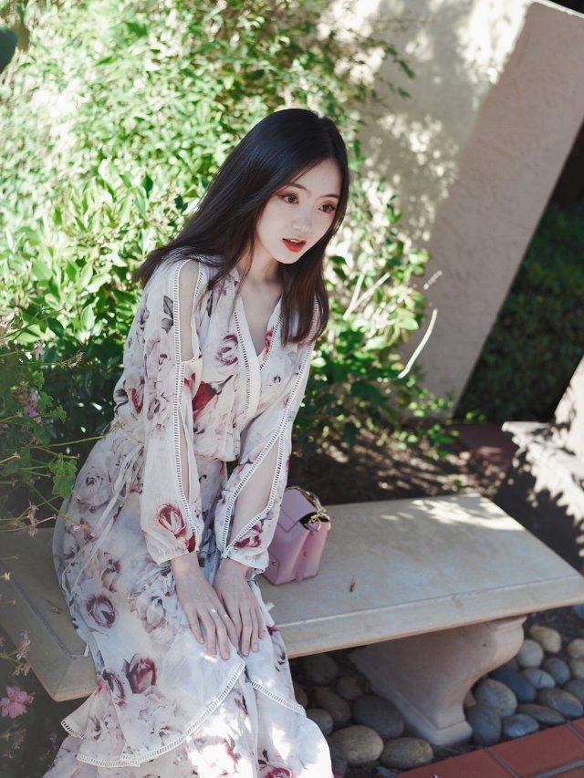 最爱连衣裙之白玫瑰的浪漫