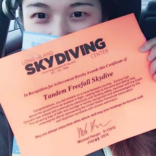 Skydiving,证书