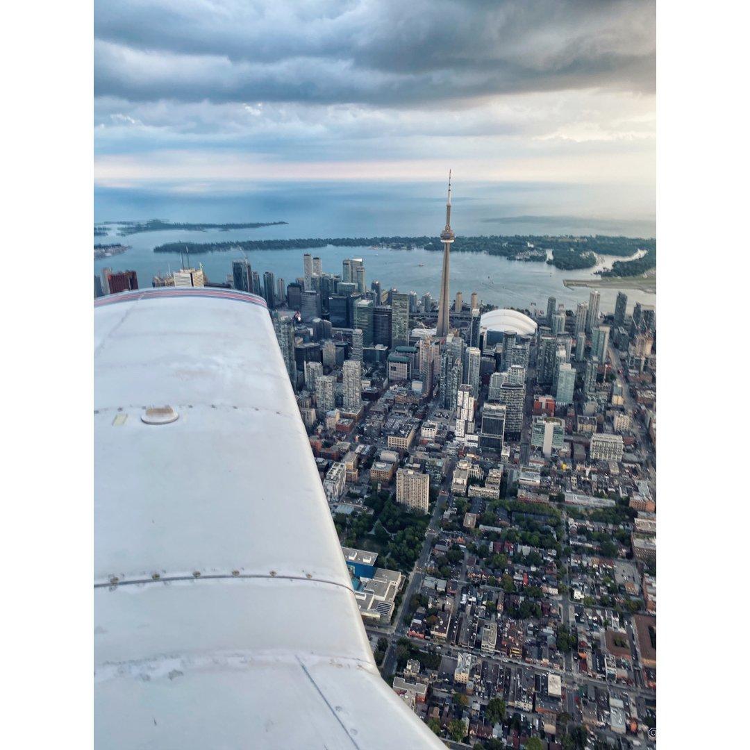 ✔️城市打卡计划:开飞机看CN塔是...
