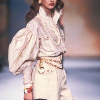 80年代Chanel香奈儿时装秀也太能打...