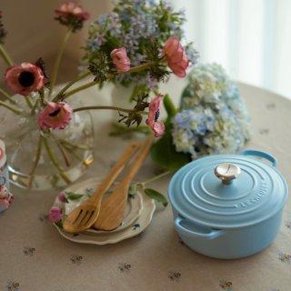 Le Creuset奶敷敷的蓝和粉,花吃...