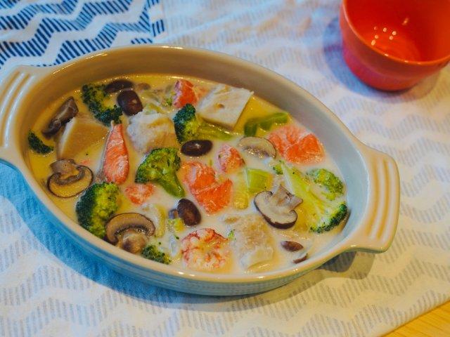 一碗鲜汤 | 豆乳芋头炖三文鱼